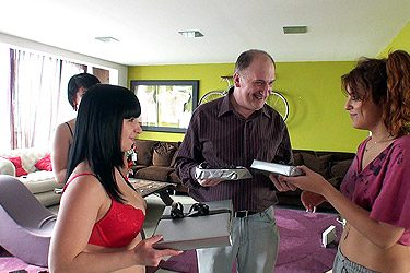 Resumen: Homenaje a los usuarios de la mansión de Nacho